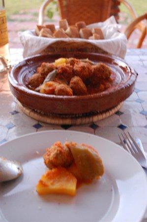 Riad Bledna: tajine de sardines, délicieux!