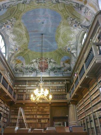 Biblioteca Queriniana e il Palazzo vescovile