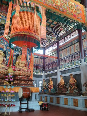 Thousand Buddhas Tower: The shrine inside the temple.
