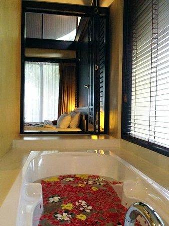 New Star Beach Resort: bagno e camera