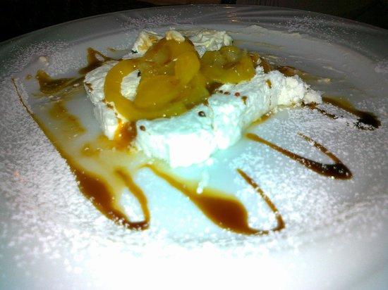 "Aubergine : semifreddo ""yogurt panna albicocca"""