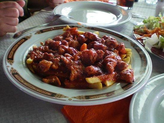 Chiri Bus : carne con pomodoro e patate