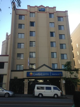 Comfort Hotel Perth City : Hotel Building
