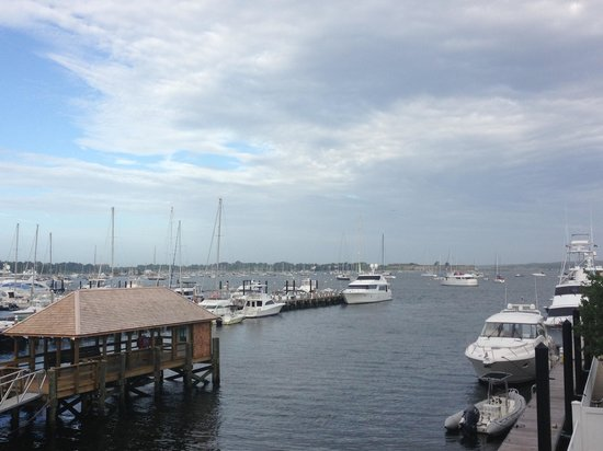 Harborside Inn: View from balcony