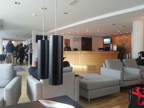 CenterHotel Plaza: Hotel Lobby