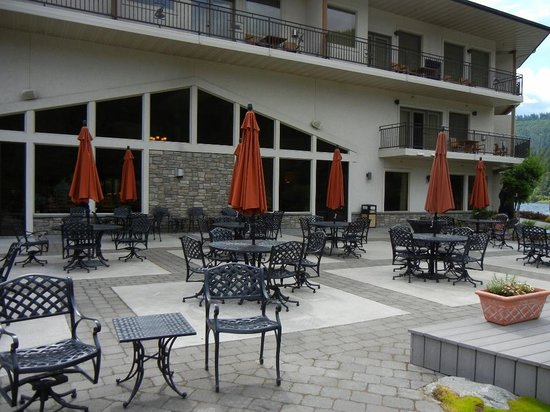 BEST WESTERN PLUS Lodge at River's Edge: Patio