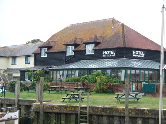 River Haven Hotel: View of the Hotel and Conservatory