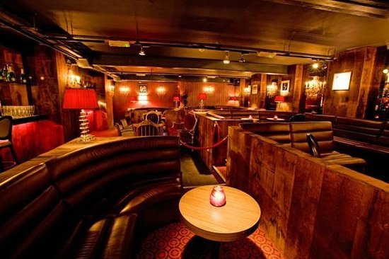 Beach Blanket Babylon Sditch Champagne Lounge