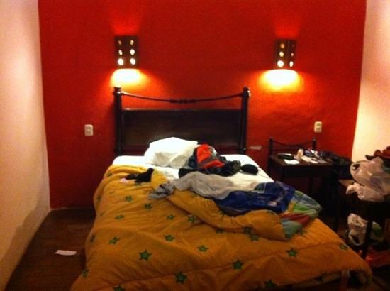 Qorichaska Hostal: habitación amplia