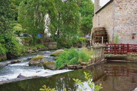 LA CHAUMIERE ROZ AVEN : Moulin du Grand Poulguin