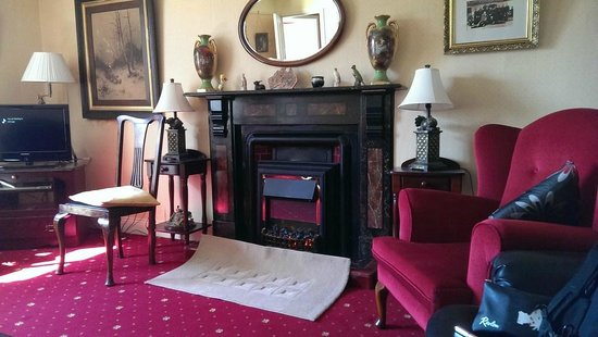 Murphy's Farmhouse: Sitting Room