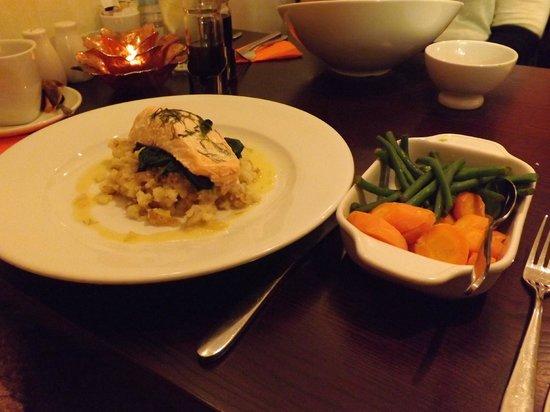 Manbo's: Oven Roasted Salmon & Veg