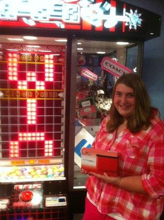 Knuckleheads: Lots of games - my daughter won a Ninetendo 3DS!