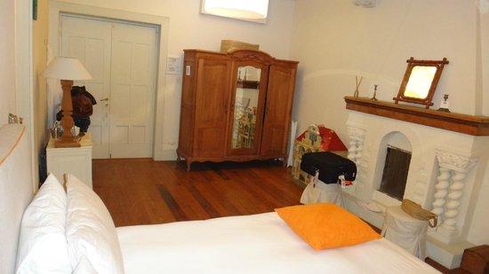 Quinta Miraflores Boutique Hotel: White room