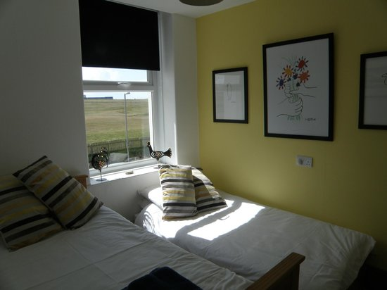 Dylan's Bed and Breadfast - Bude, Cornwall: dylan's 'family suite' children's room