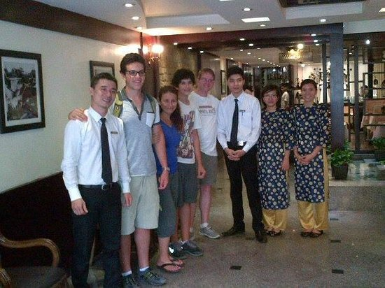 Hanoi Moment Hotel: Jimmy and front desk staff