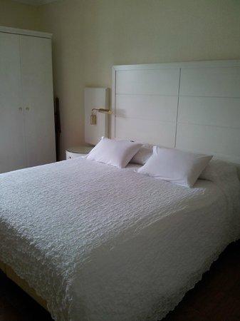 Best Western Hotel Bellevue Au Lac: bed