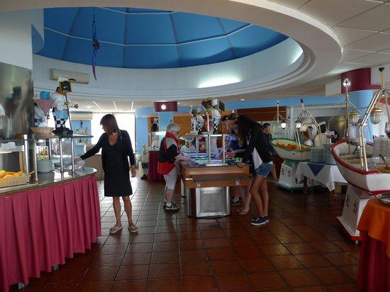 Monica Isabel Beach Club : buffet resto