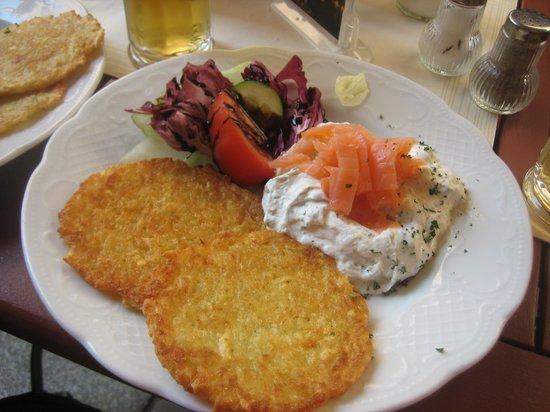 Antiquitäten Schätzen Lassen In Dresden : Antiquitäten und essen kunst cafe antik dresden reisebewertungen