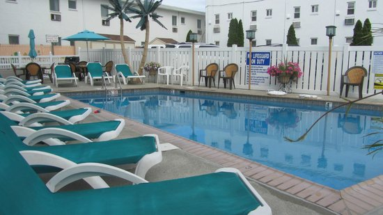 Aztec Resort Motel: Pool