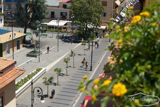 Sine Tempore Holiday Apartments : Vista della Piazza A. Veniero