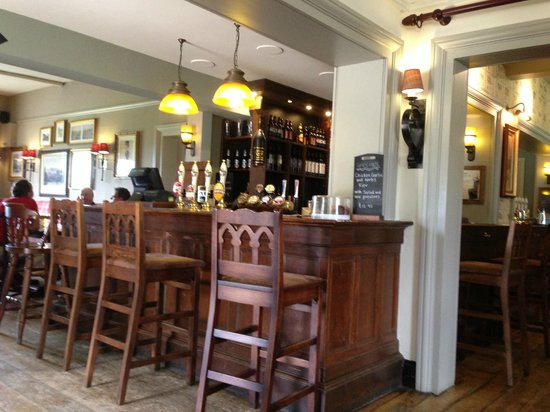 The Lansdowne Arms: The bar