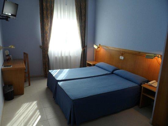 Rey Arturo Hotel: Habitacion estandar