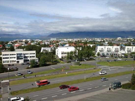 Hilton Reykjavik Nordica: vista della città dal l'albergo.