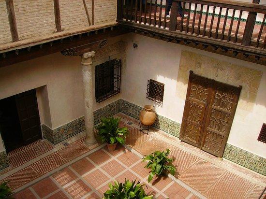 Museo del Greco : Patio del museo.