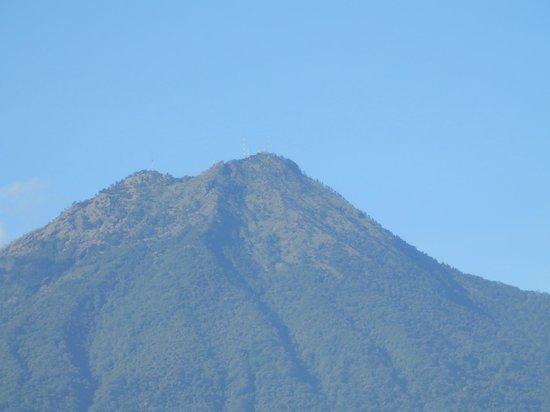 Mananas Hotel: le volcan vu depuis la terrasse