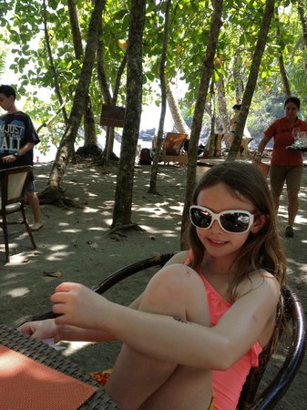 Arenas del Mar Beachfront & Rainforest Resort: At the beach restaurant