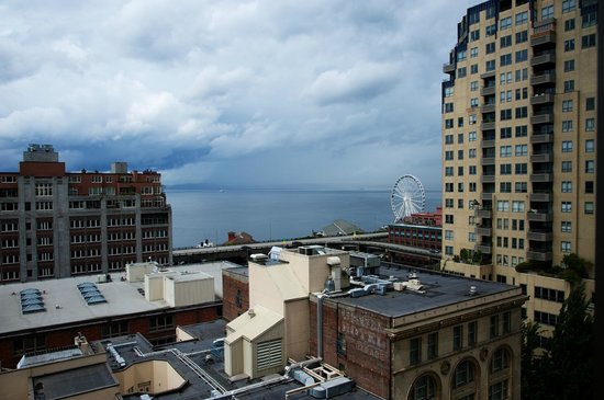 Loews Hotel 1000, Seattle: View from our 12th floor window