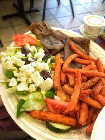 Castaway Grill : Gyro!! Tender and Tasty!