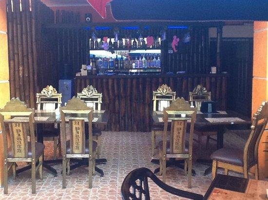 La Taberna: Bar