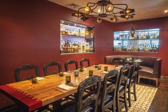 Maya : dining room