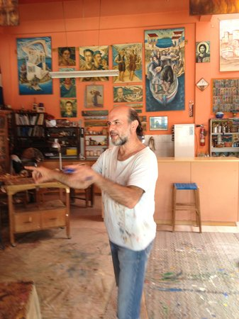 Segway Station Tour Experience: The unscheduled stop at the artist's studio, where we discussed paintings