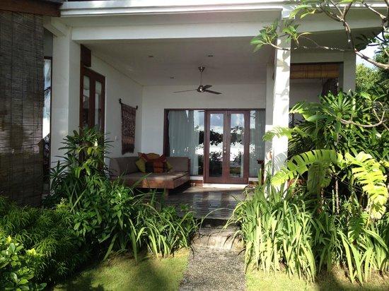 Villa Markisa: Lanai outside Room 4