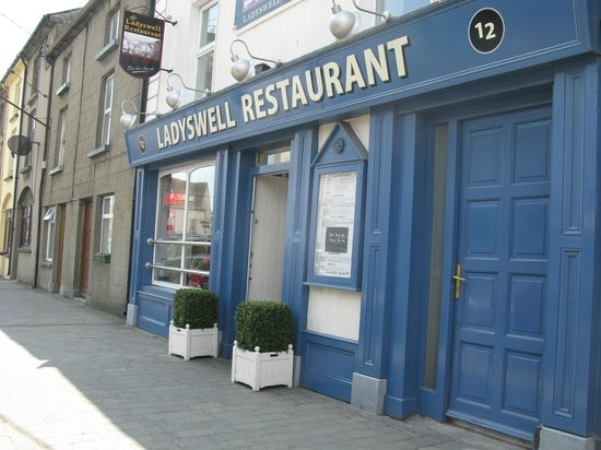 Ladyswell Restaurant: Cheery and bright