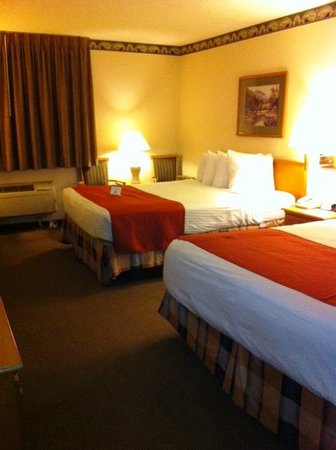 Ramada Waupaca: Double Beds