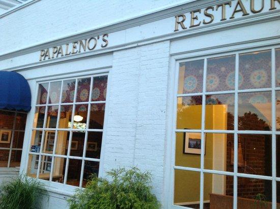 Papa Leno's Restaurant: Outside papa lenos