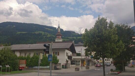 Hotel Alpenland: vacker kyrka
