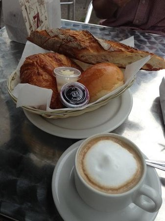 L'Amande Bakery: Continental breakfast includes any choice of coffee.