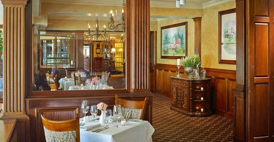 Mirror Lake Inn Resort & Spa: The View Restaurant - AAA Four Diamond