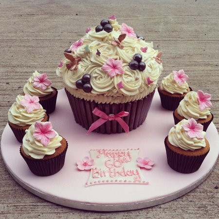Rachel's Cupcakes: Birthday Cakes available to order..