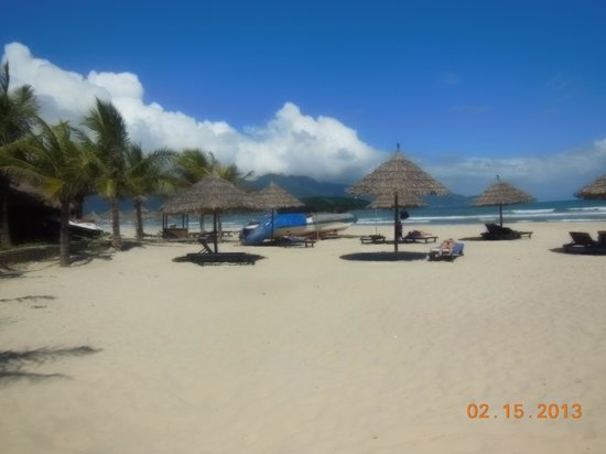 Non Nuoc Beach : A View that pleases the eye...