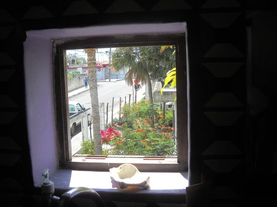 Amaranto Bed and Breakfast: View from bathroom window, 2d floor room. Made for an open air bath - lovely!