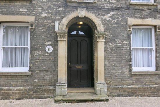 The George & Dragon Inn : Ardley House Entrance