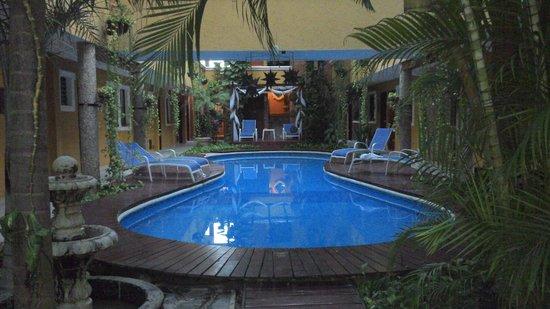 Hotel Las Golondrinas: alberca
