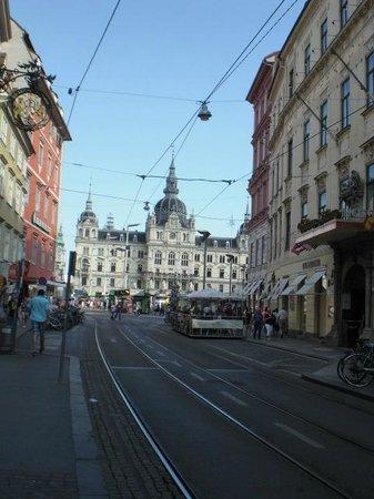Sackstrasse: Blick von der Sackstraße auf den Hauptplatz und das Rathaus