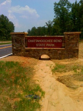 Chattahoochee Bend State Park: Rock sign going into park entrance